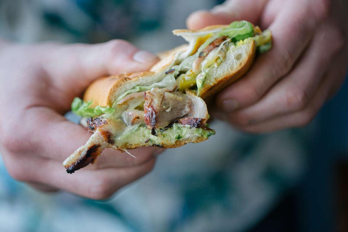 Kubánský sendvič (se sous vide marinovanou plecí)