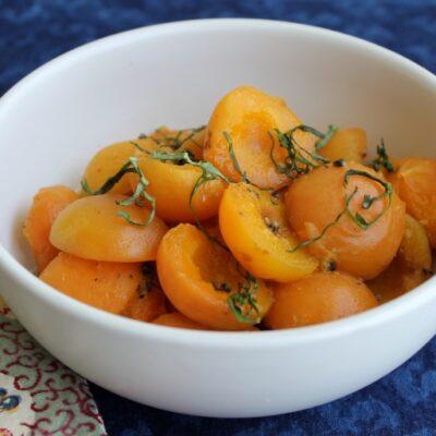 meruňky s kardamomem